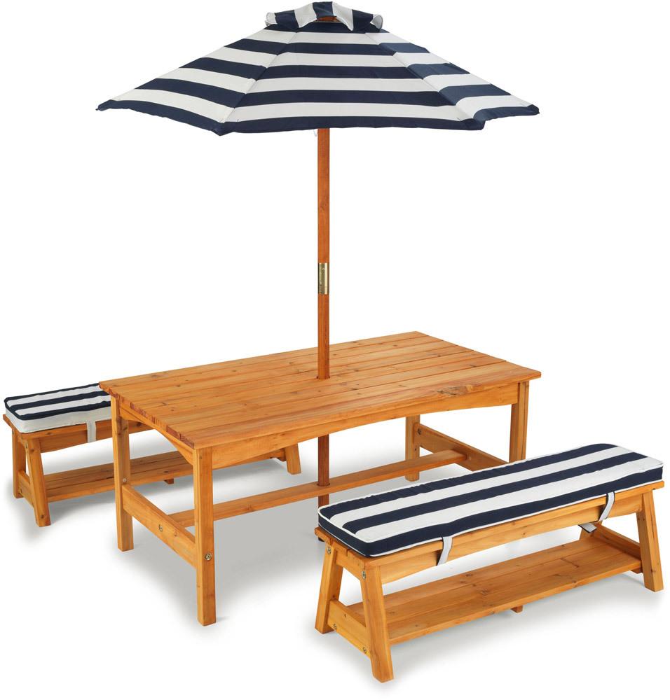 Gartentisch & Bänke mit Sitzkissen/Sonnenschirm
